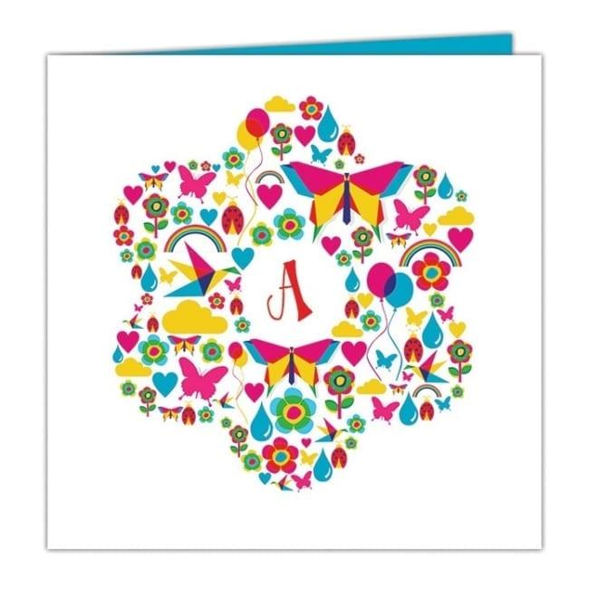 Geboortekaartje Vrolijk, op de voorkant een bloem die bij nader inzien bestaat uit allerlei diertjes, figuurtjes, bloemetjes in allerlei felle kleuren.