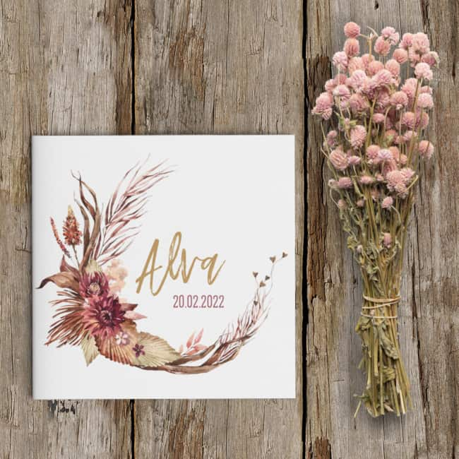 Geboortekaartje Prachtige Bloemen is een kaartje voor een meisje, met schitterende bloem illustraties in een lieve stijl.